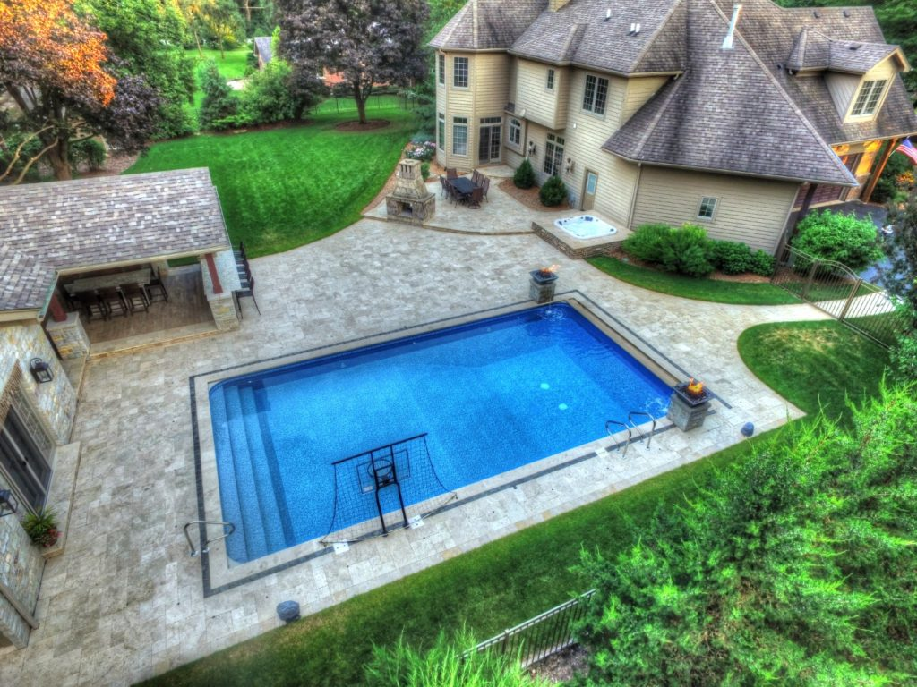 Vinyl Rectangle Pool with Hot Tub in Orland Park, IL