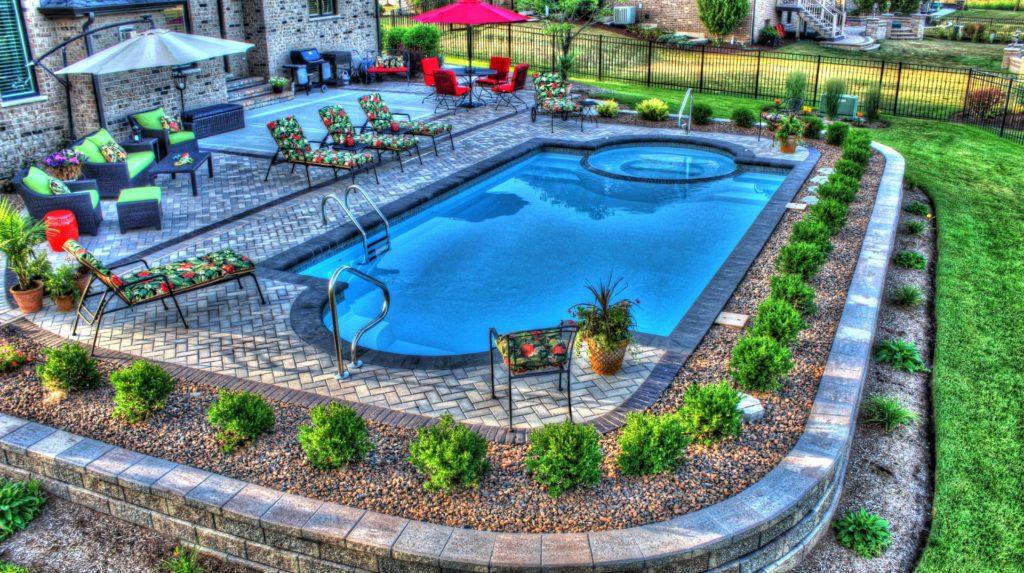 San Juan Caesars Palace Fiberglass Pool with Spillover Spa